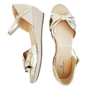 Bandolino B Flexible Gold Sandals